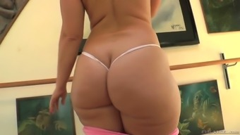 Valentina Nappi And Lots Of Other Hot Ladies Are Ready To Masturbate A Bit