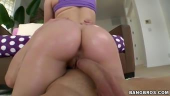 Big Butt Slut Madison Chandler Nails Herself Down His Shaft