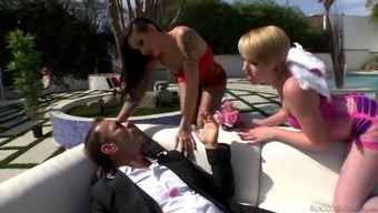 Outdoor Threeway With Alby Rydes, Miley May And Rocco Siffredi