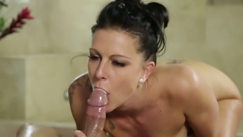 Furiously Horny Masseuse Texas Patti Fucks Her Client With Delight