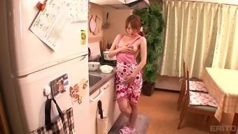 Miku Ohashi Cannot Wait To Rub Her Pulsating Love Tool