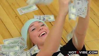 Kendra Sunderland Behind The Scenes Of Her Hot New Video