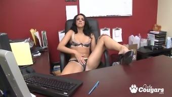 Brunette Babe Tiffany Tyler Fucked On Office Desktop