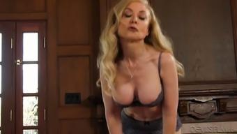 Real Elite Prostitute Nina Hartley Gives A Kinky Deepthroat Blowjob