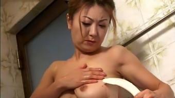 Japanese Busty Mature 08 ()