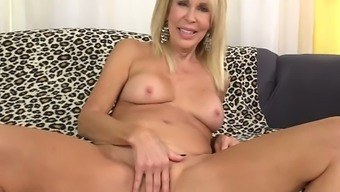 Erica Lauren Is Amazing Cougar Who Wanna Get Mature Cunt Fucked