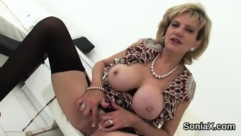 Unfaithful English Milf Lady Sonia Showcases Her Heavy Hoote