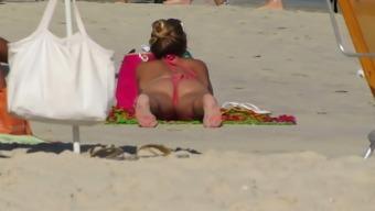 Spy On The Beach 01
