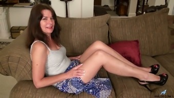 Lustful Mature Lady Shelby Ray Has Bought A New Dildo For Good Masturbation