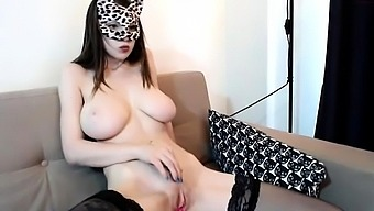 Pissing Fetish Babe In Stockings Uses Speculum