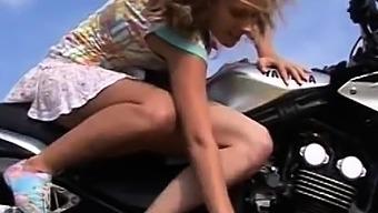 Stranger Public Cash Xxx Young Lezzy Biker Girls
