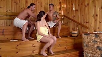 Lucie Wilde - Lucies Sauna Cum Bath