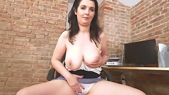 Mature Sexy Housewife With Huge Natural Tits