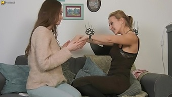 Horny Mom And Her Young Girlfriend Eating Pussy - Maturenl