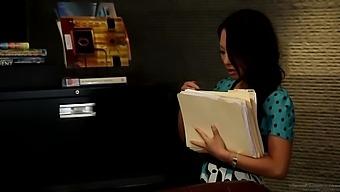 The Secretary 03 Scene 1