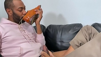 Horny Black Guy Talked A Friend Into Jerking His Cock With Feet