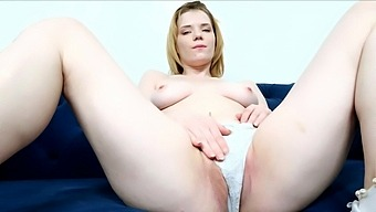 Closeup Video Of Pale Triniti Banxx Fingering Her Wet Pink Taco