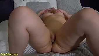 Chubby Flexi Stepsis First Time Naked