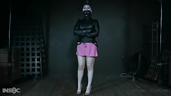Submissive Big Assed Whore Seems To Enjoy Harsh Treatment From Her Master