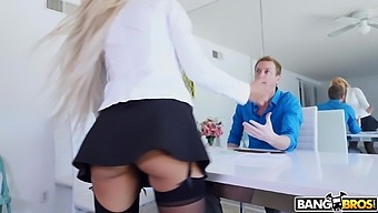 Stunning Blonde Hottie Luna Star Teases And Gets Ass Fucked
