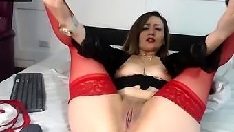 Naked Amateur Webcam Girl Fingering Her Pussy Live On Camera
