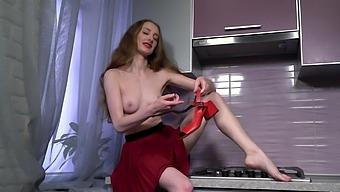 Solo Model Milena Tissen Pleasures Her Cunt In The Kitchen
