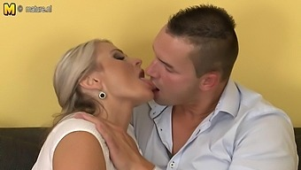 Horny Housewife Squirts And Gets Fucked Hard - Maturenl