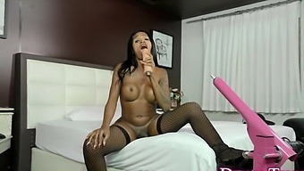 Ebony Ts Yasmin Fontenelle Bangs Machine