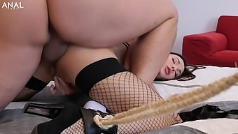 Perky Titted Lilu Moon Got Her Asshole Stretched Wide - Analjust
