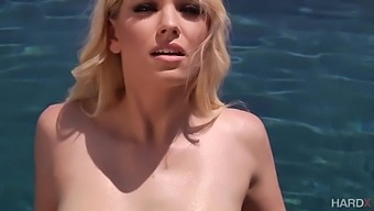 Sensual Babe Giselle Palmer Gags On Thick Dick