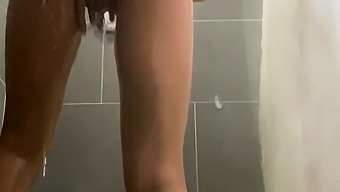 Ash Hollywood Amateur Blonde Teen Having Fun At The Shower