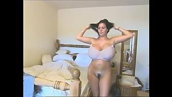 Classic Big Tits Babe
