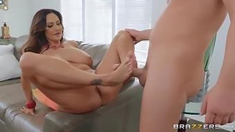 Ava Addams - Sucking The Sitter