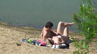 A Real Couple Goes To Fuck At The Lake!