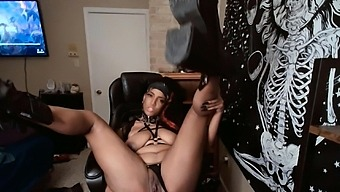 Shorty Laveau Rubs Her Slit With Panties On Then Fingering