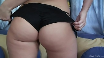 Large Ass Wife Alexis Texas Enjoys Getting Fucked In Doggystyle