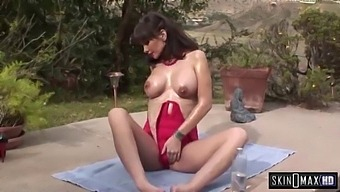 Carrie Ann Is A Cock Craving Cougar!
