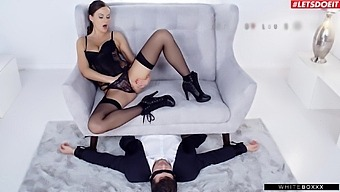 Kinky Chick Tina Kay In Lingerie Loves Siting On His Face During Sex
