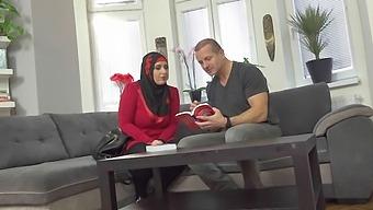 Aisha Bahadur & George Uhl In Grateful Sexy Muslim Gets Boned - Porncz