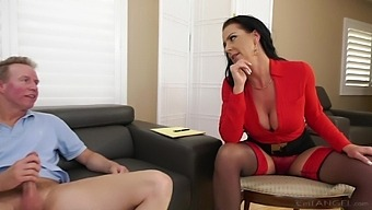 Hot Wife Texas Patti Gives A Rimjob And Gets Fucked In The Rear